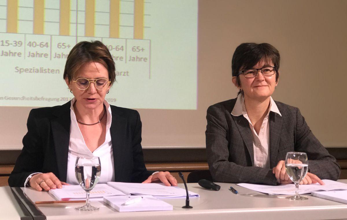Herr und Frau Liechtensteiner sind gestresster im Job, dafür auch hilfsbereiter in ihrem sozialen Umfeld!