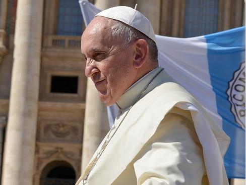 Papst sagt öffentliche Auftritte ab