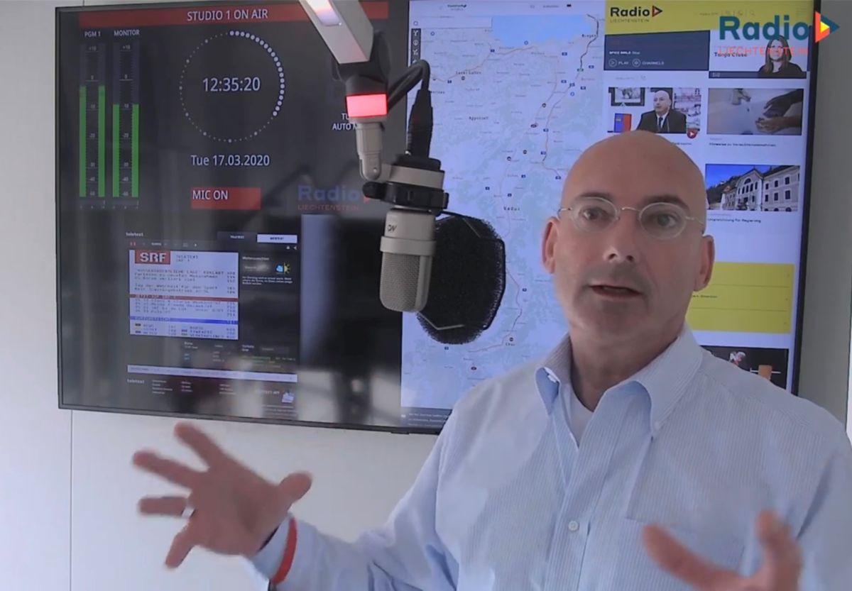 Mauro Pedrazzini stellt sich den Fragen der Radio L-Hörer