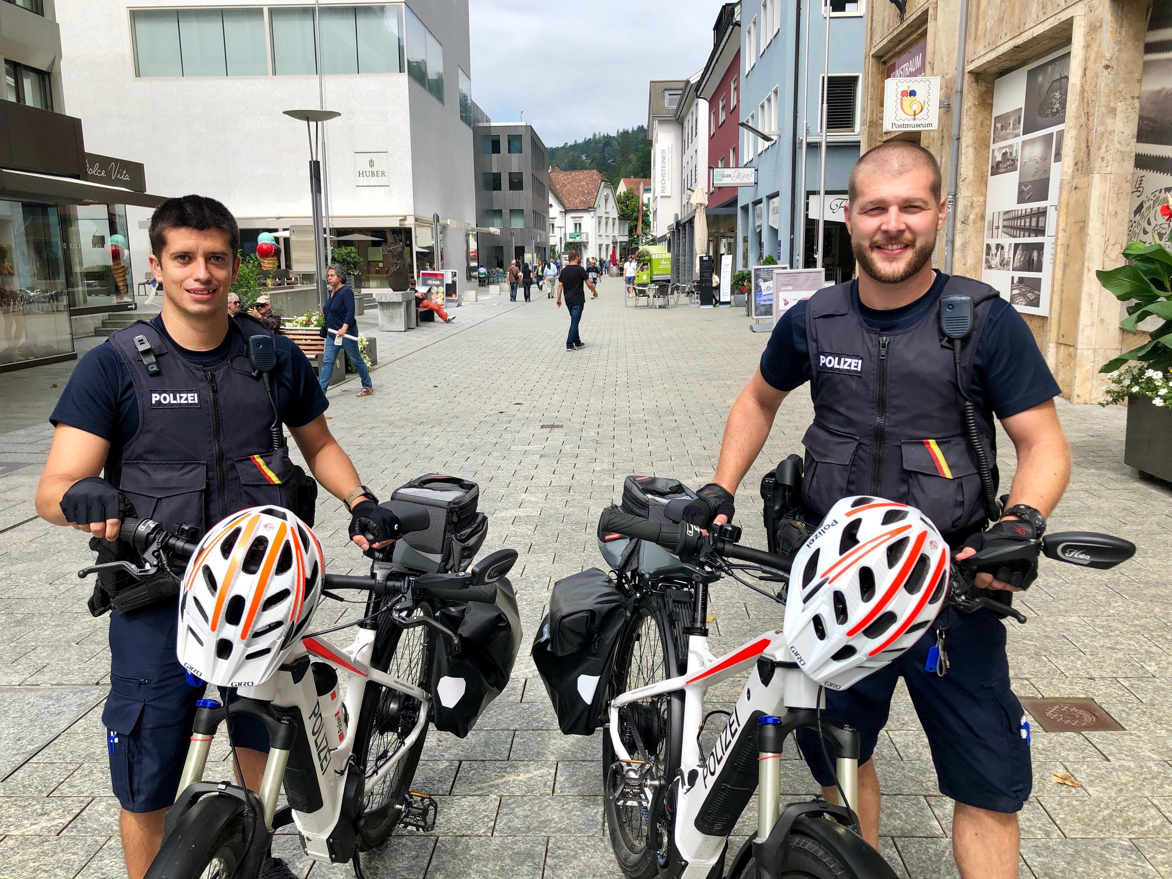 Zwei neue E-Bike-Polizisten in Liechtenstein